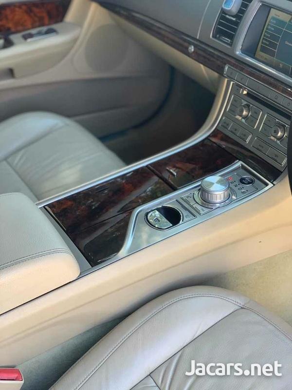 Jaguar XF 2,9L 2011-4
