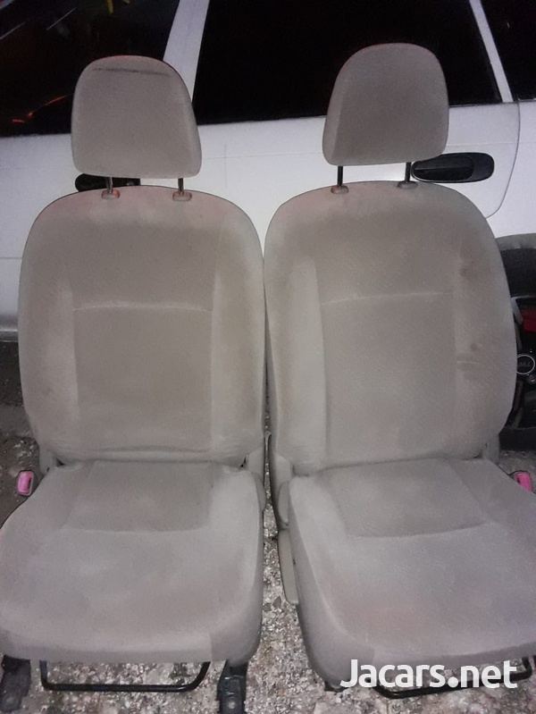Fielder Front Seats