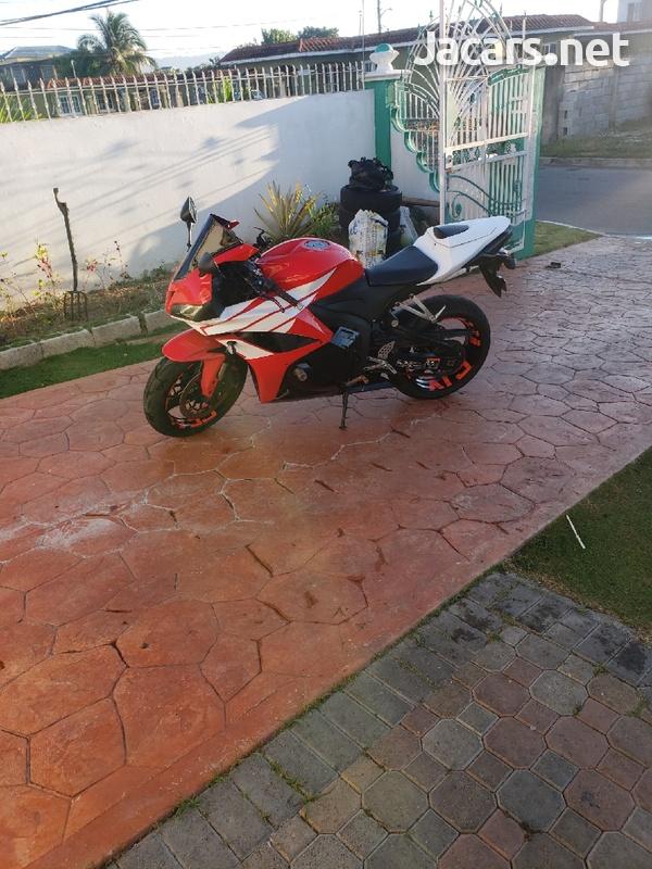 2011 Honda CBR600 Bike-2