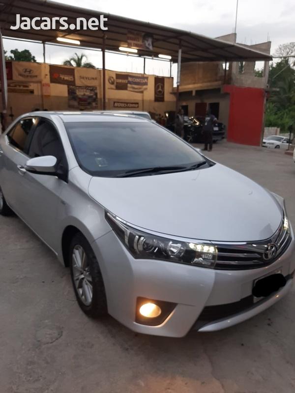 Toyota Corolla Altis 1,6L 2014-4