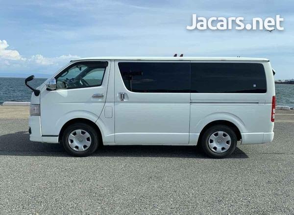 Toyota Hiace 3,0L 2013-6