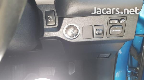 Toyota RAV4 2,0L 2019-8