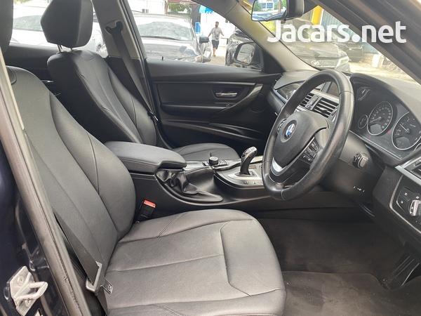 BMW 3-Series 2,0L 2017-6