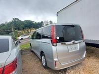 Toyota Noah 1,8L 2014