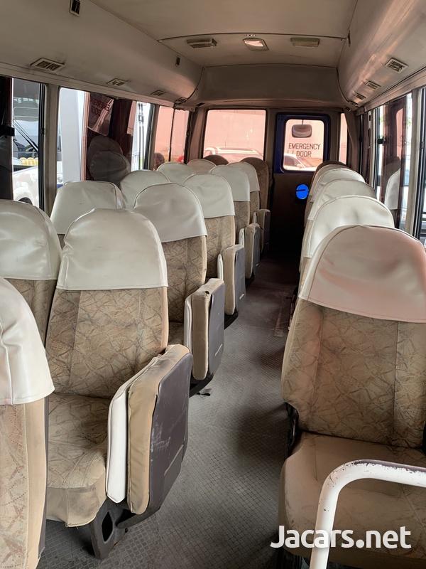 Mitsubishi Rosa Bus 2007-5
