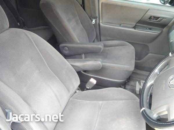 Toyota Voxy 1,9L 2009-6