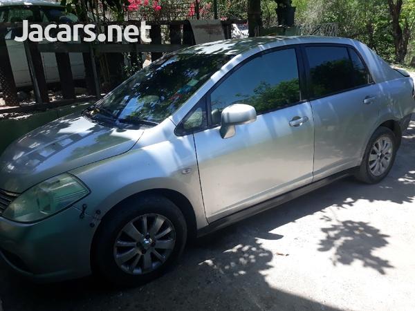 Nissan Tiida 1,4L 2009-1