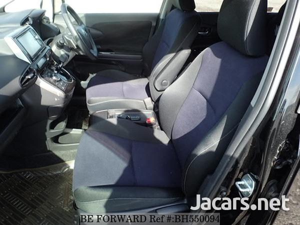 Toyota Wish 1,8L 2012-8