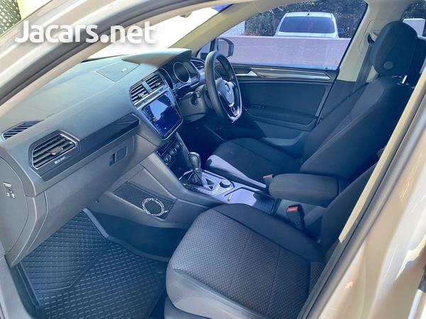 Volkswagen Tiguan 2,0L 2020-8