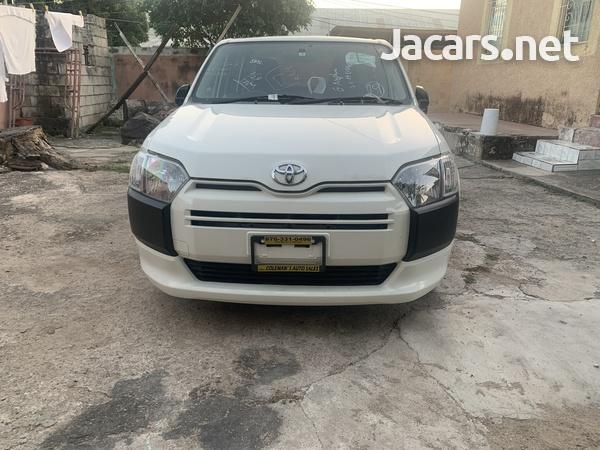 Toyota Probox 1,3L 2015-4
