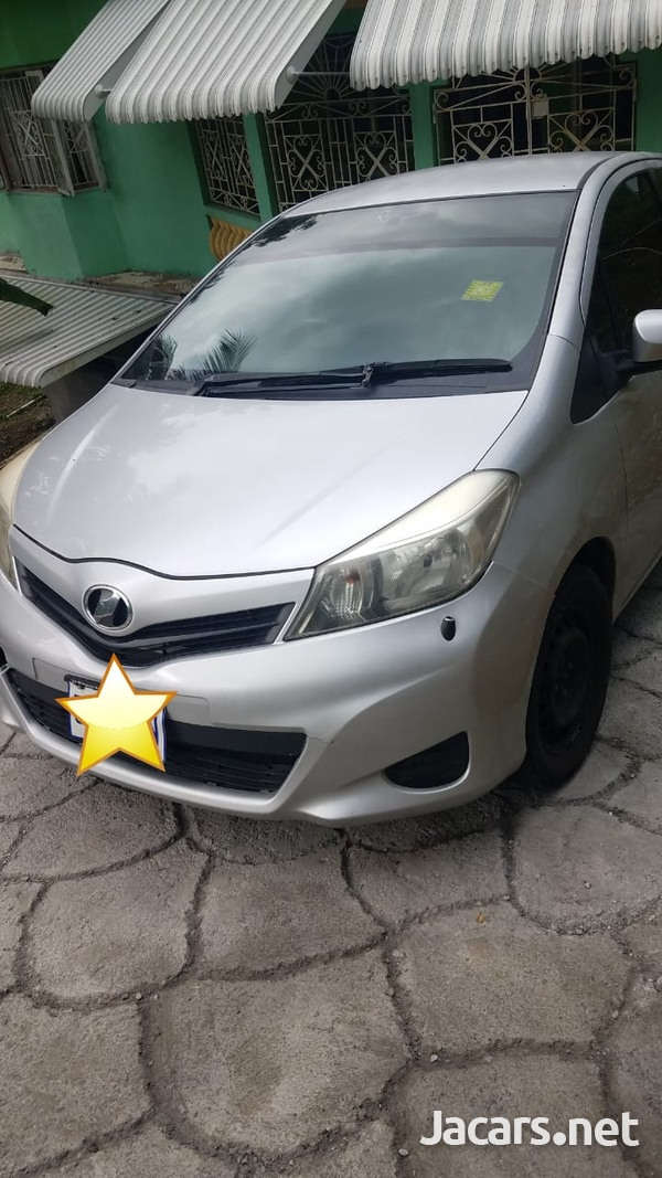 Toyota Vitz 1,5L 2013-3
