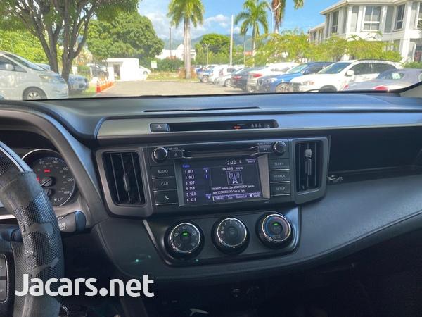 Toyota RAV4 2,5L 2017-6