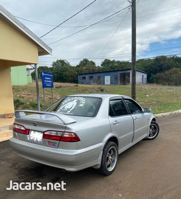 Honda Accord 0,4L 2001-8