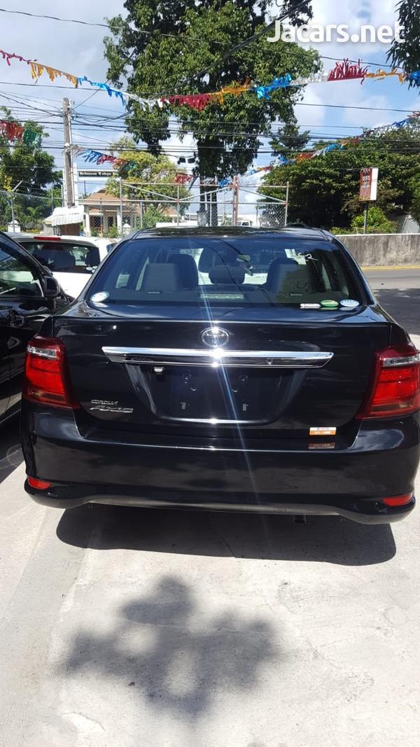 Toyota Axio 1,5L 2018-9