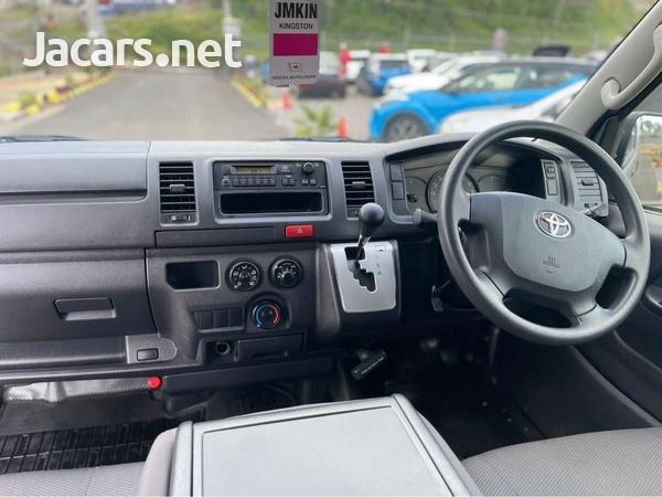 Toyota Hiace 2,0L 2017-3