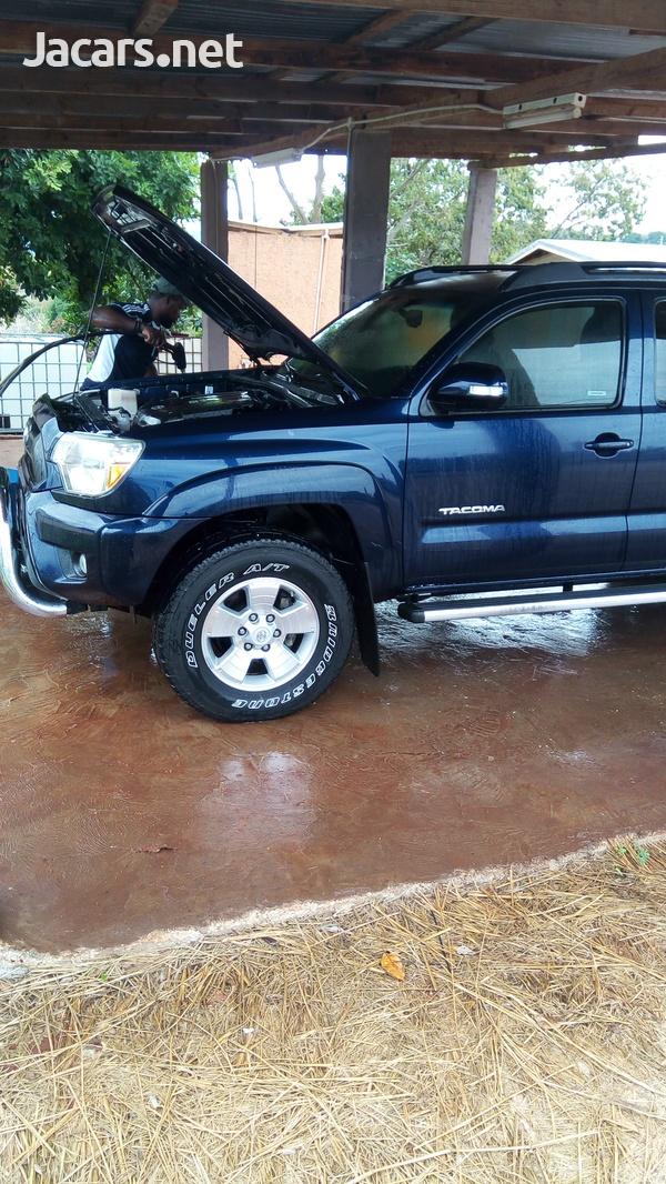 Toyota Tacoma 4,0L 2013-3