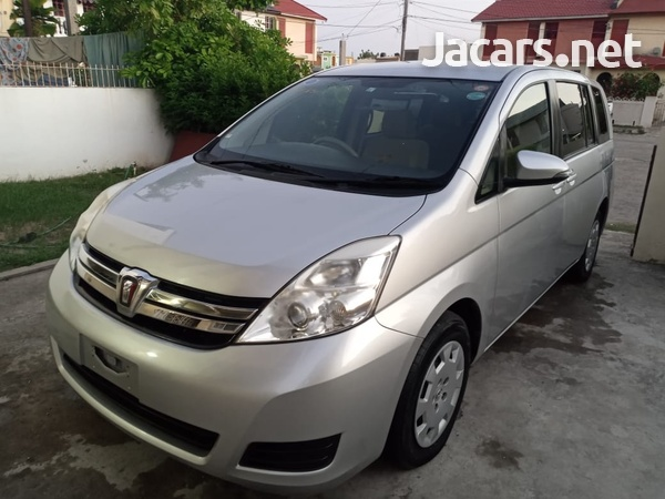 Toyota Isis 1,8L 2013-11