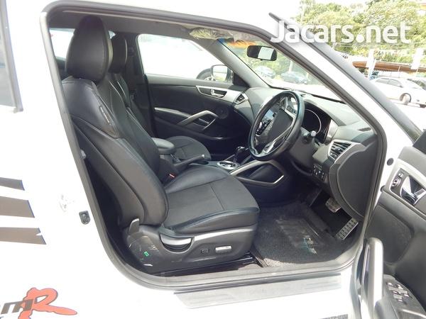 Hyundai Veloster 1,6L 2014-6