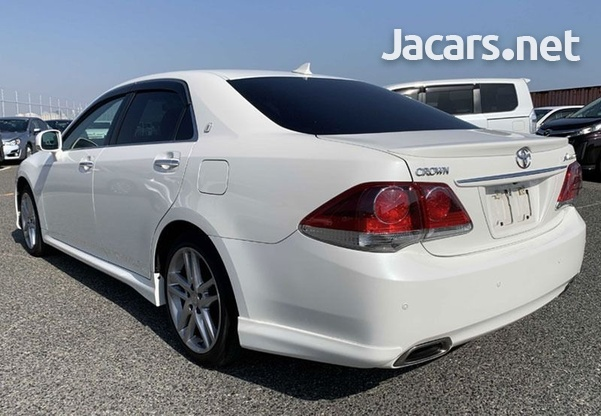 Toyota Crown 2,5L 2012-3