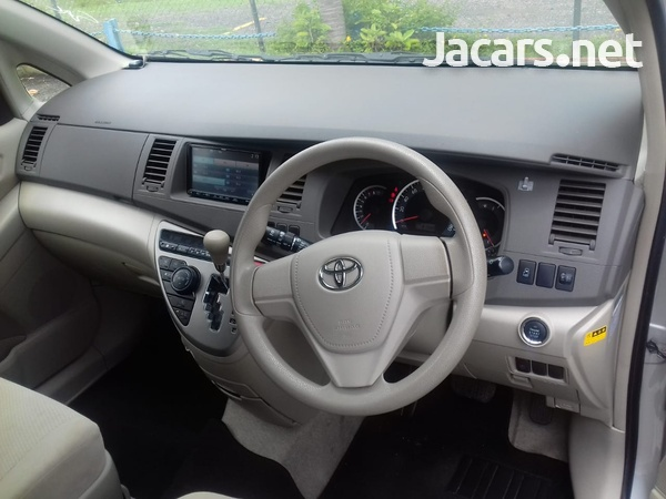 Toyota Isis 2,0L 2014-2
