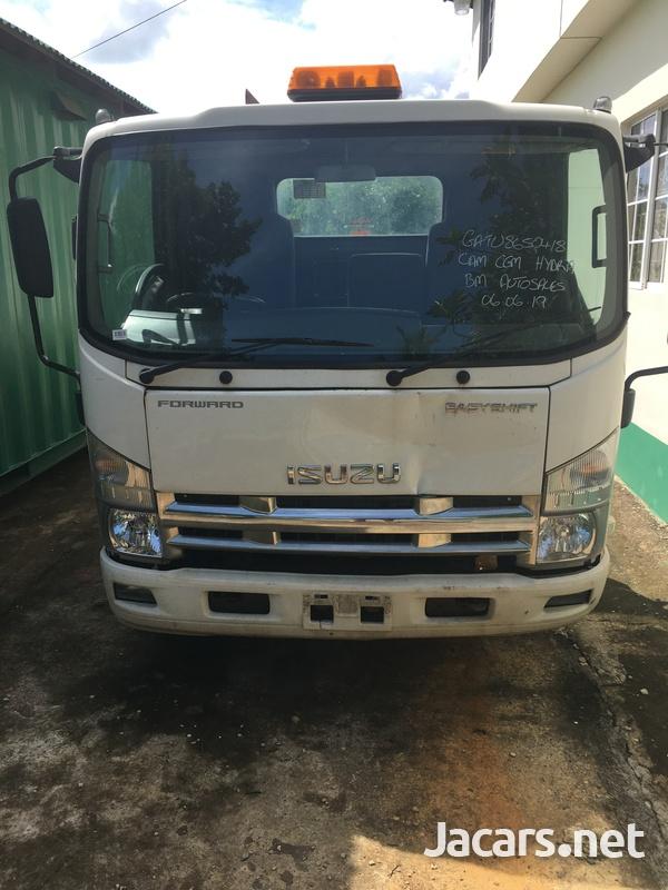 2011 Izuzu Truck-1