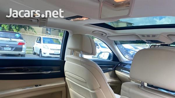 BMW 7-Series 3,0L 2015-10