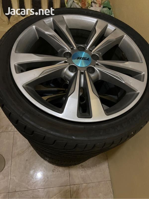 Stock Mercedes Benzrims-1