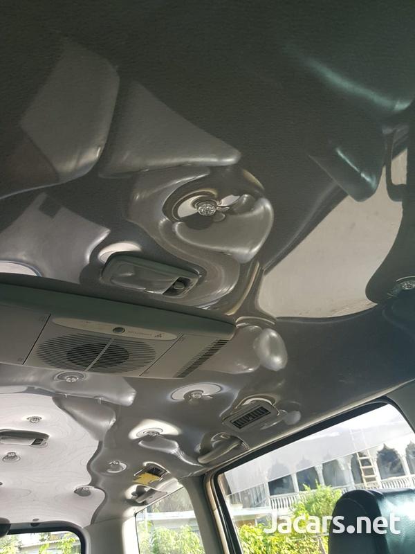 Toyota Voxy 2,0L 2006-9