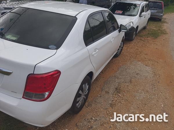 Toyota Axio 1,6L 2013-3