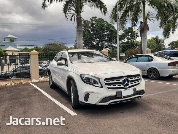 Mercedes-Benz GLA-Class 1,6L 2018-1