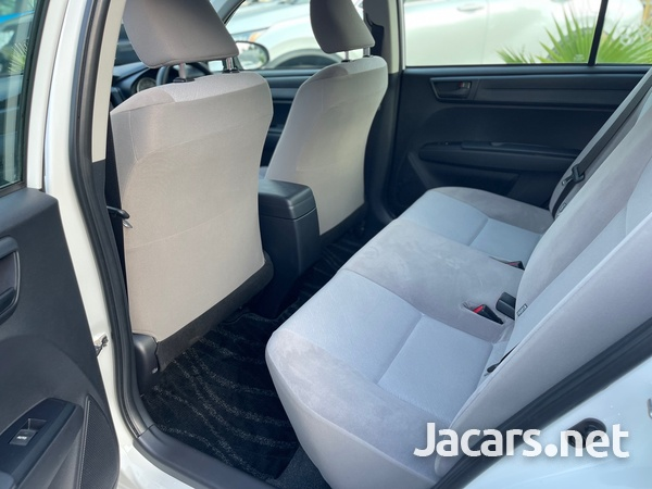 Toyota Axio 1,3L 2015-9