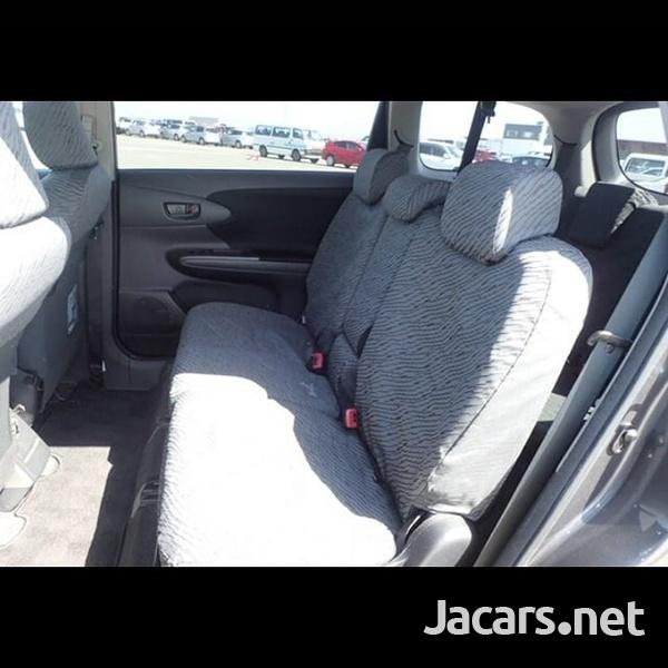 Toyota Wish 2,0L 2014-1