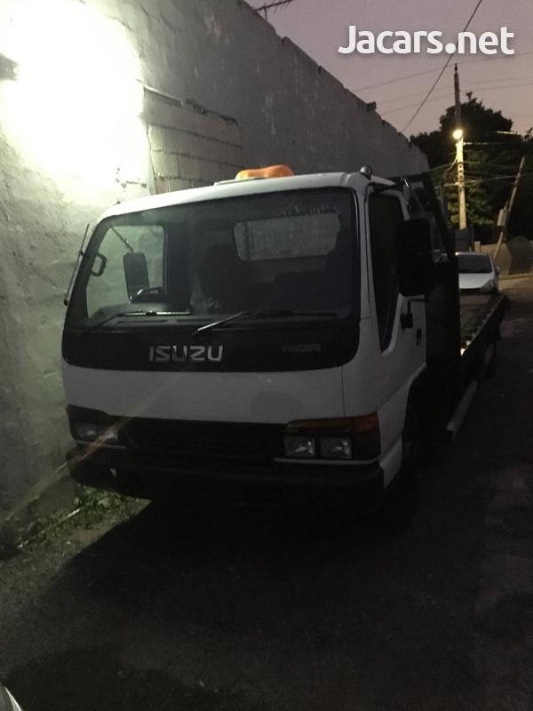 Isuzu wrecker 6 speed manual newly imported-1