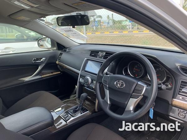 Toyota Mark X 2,5L 2015-5