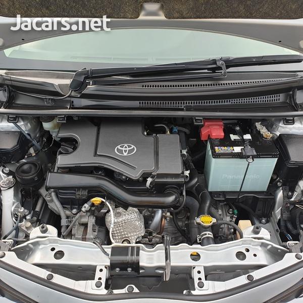 Toyota Vitz 1,0L 2015-13