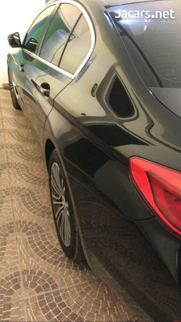 BMW 5-Series 3,0L 2019-5