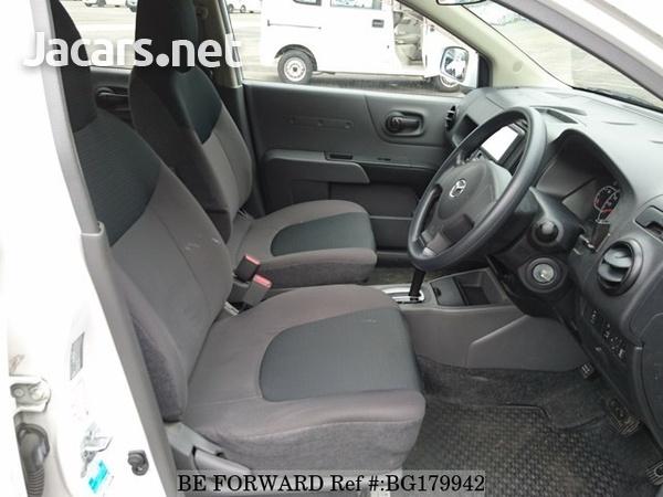 Mazda Familia 1,5L 2014-4