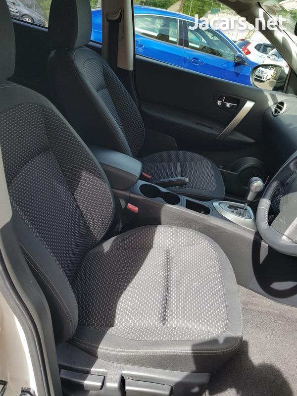 Nissan Dualis 2,0L 2013-12
