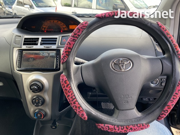 Toyota Vitz 1,3L 2010-10