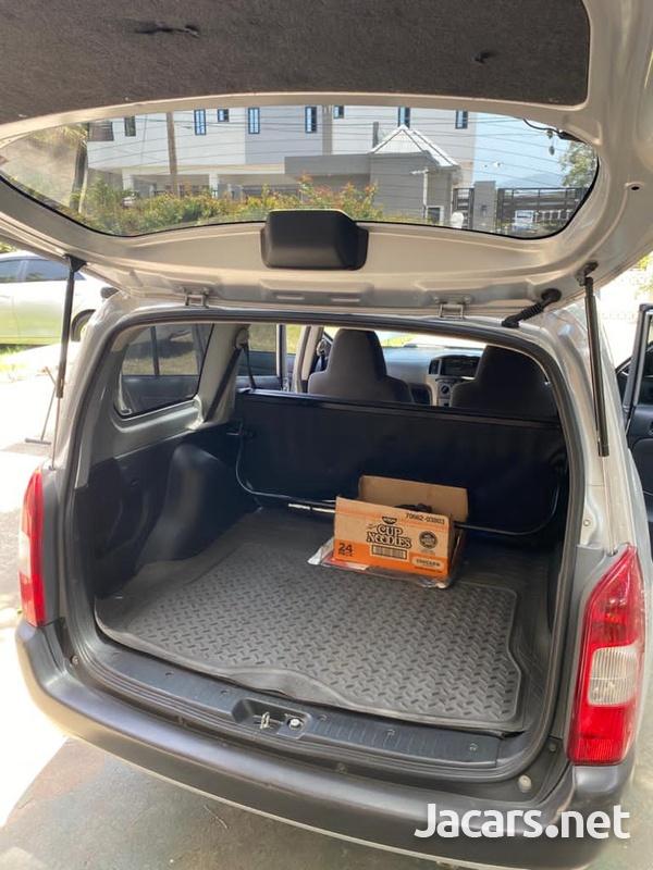 Toyota Probox 1,5L 2013-7