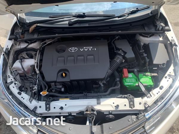 Toyota Corolla Altis 1,5L 2015-4