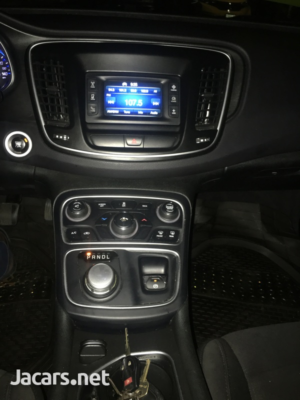 Chrysler 200 2,4L 2015-8
