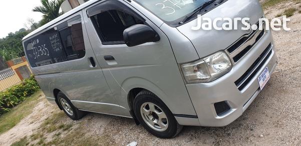 Toyota Hiace Bus 1,8L 2012-7