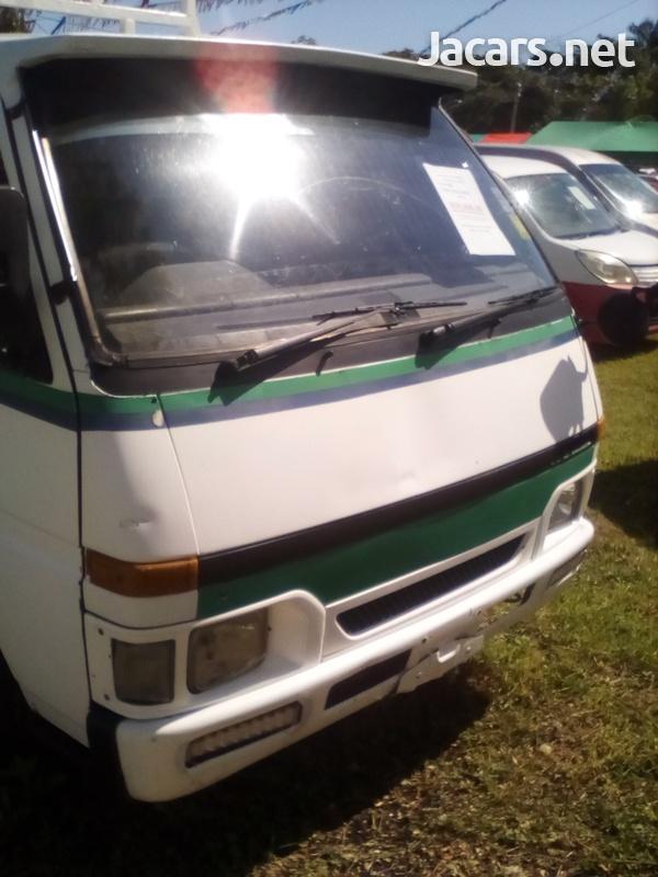 Isuzu Pick-up 2,5L 2003-3