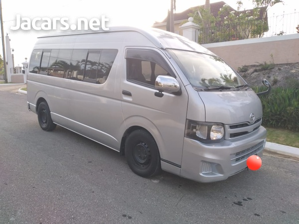 Toyota Hiace 3,0L 2012-3