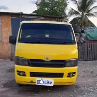 06 Toyota Hiace Bus
