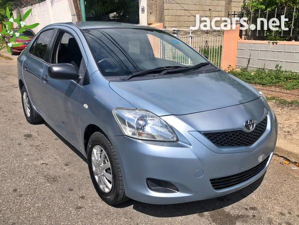 Toyota Yaris 1,3L 2013-1