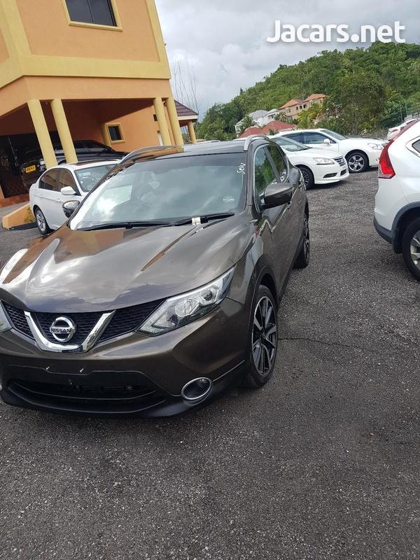 Nissan Qashqai 2,0L 2015-1