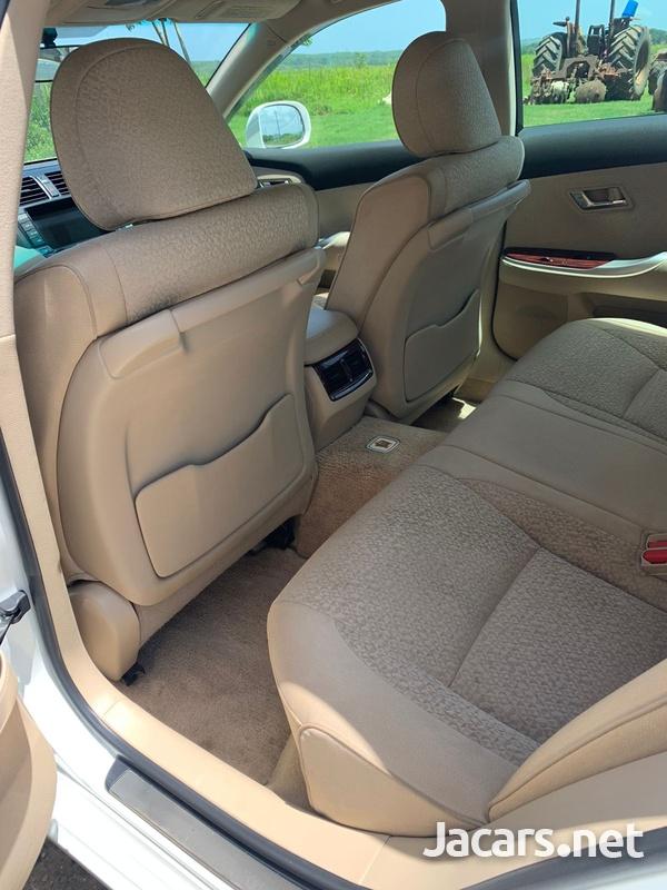 Toyota Crown 2,5L 2010-10