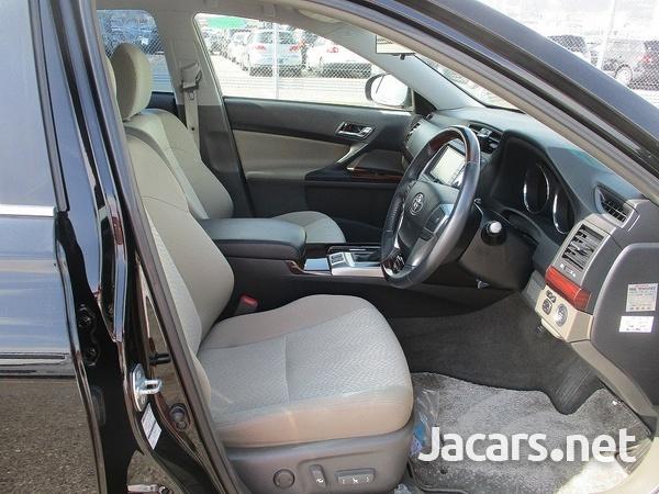 Toyota Mark X 1,6L 2010-4